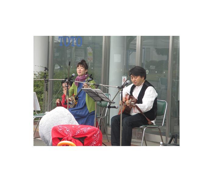 沖縄民謡の演奏